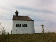 Rosaliakapelle bei Oggau und Steinkreuz mit Pieta