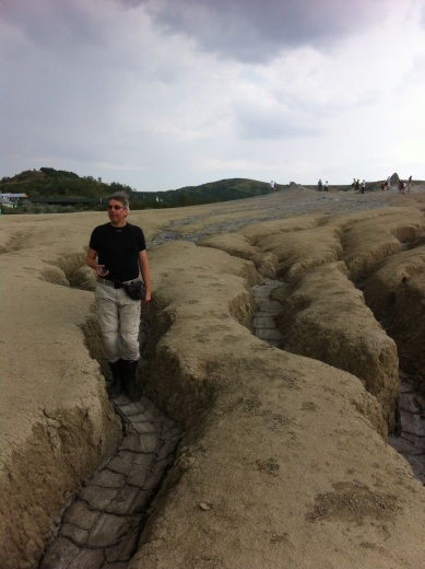 In der Kraterlandschaft