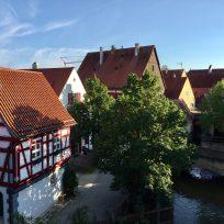 Fachwerkhäuser und Mühle in Nördlingen