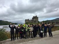 Die Highlander beim Eilian Donan Castle