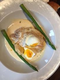 Geräucherter Haddock auf Püree und mit pochiertem Ei