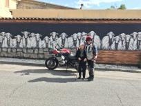 Wandmalerei in Austis mit der Mutter des Künstlers